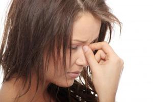 Kopfschmerzen zerstören Lebensfreude (©123rf.com)