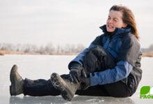 Ausrutschen auf Schnee und Eis verletzt!